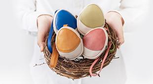 2017酉年金雞年,Tamago雞蛋型可愛萬用包繽紛上市!